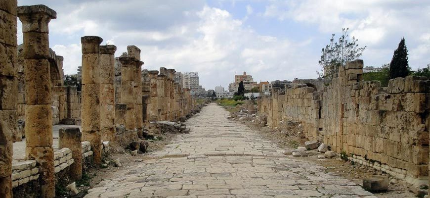 Древняя дорога современный город